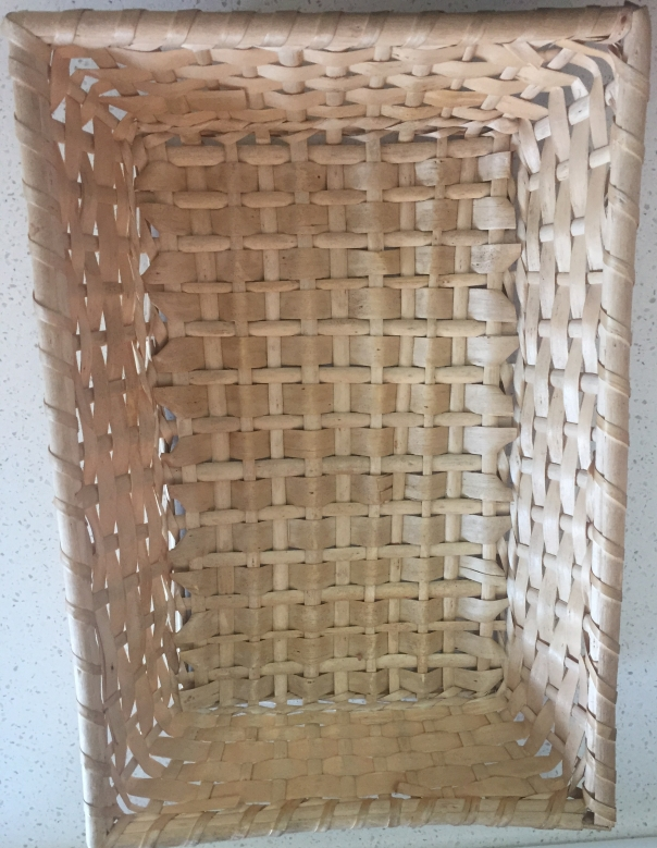 Basket for skinning peanuts